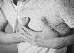 Ataque Cardíaco: primeiros socorros para emergências