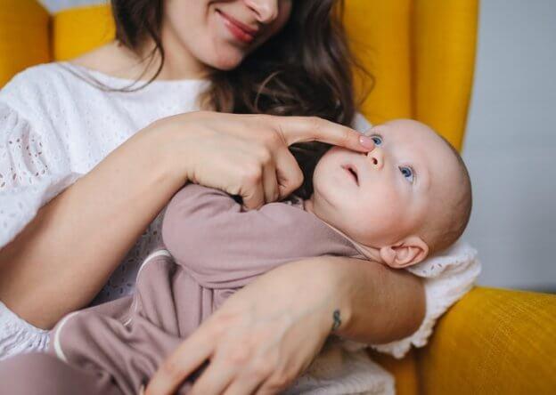 Engasgo de bebês e crianças, como proceder?