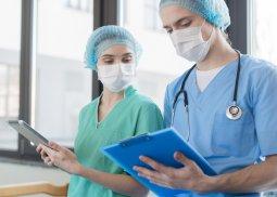 profissionais enfermeiro linha de frente
